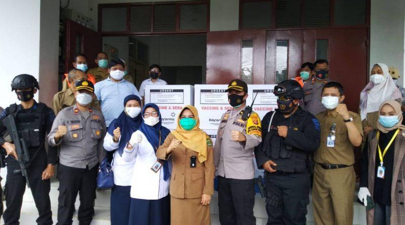 Pengawalan Distribusi Vaksin Covid-19 oleh Balai Besar POM di Samarinda